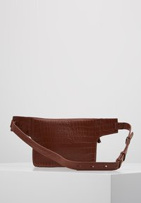 mint&berry - LEATHER - Bum bag - whiskey - 2