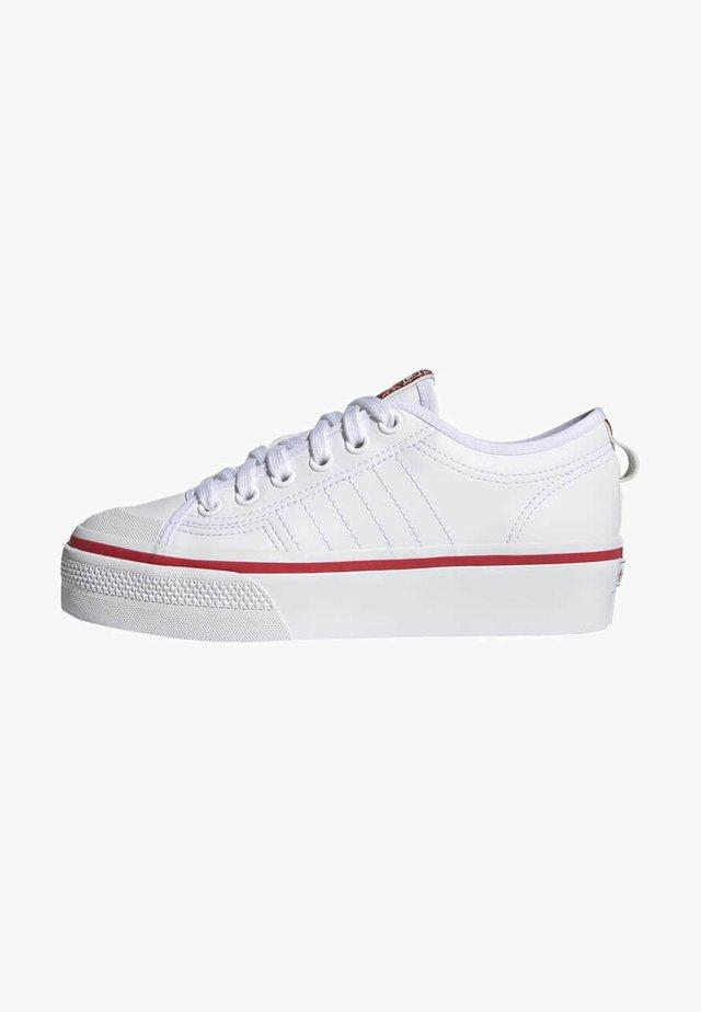 NIZZA PLATFORM ORIGINALS VULCANIZED SHOES - Sneakers basse - ftwr white/glory red/core black