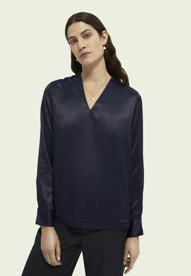 Long sleeved top - night