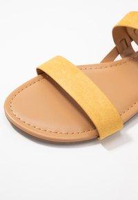 Dorothy Perkins - FABIA - Sandaler - yellow - 2