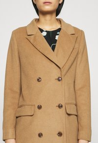Who What Wear - DOUBLE BREASTED COAT - Zimní kabát - camel - 6