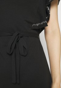 Vila - VIOPPA TIE BELT DRESS - Robe en jersey - black - 5