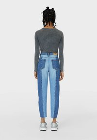 Stradivarius - PATCHWORK - Džíny Straight Fit - blue - 2