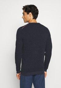 Tommy Hilfiger - MOULINE STRUCTURE CREW NECK - Pullover - blue - 2