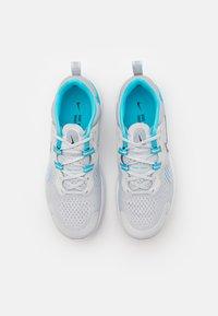 Nike Performance - REACT MILER 2 - Neutrala löparskor - pure platinum/black/chlorine blue - 3