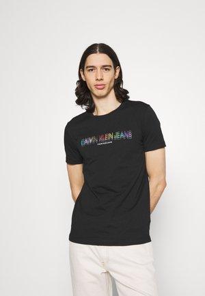 SLIM LOGO TEE UNISEX - Print T-shirt - black