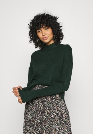 VMNEWLUCI HIGHNECK BLOUSE - Jumper - pine grove