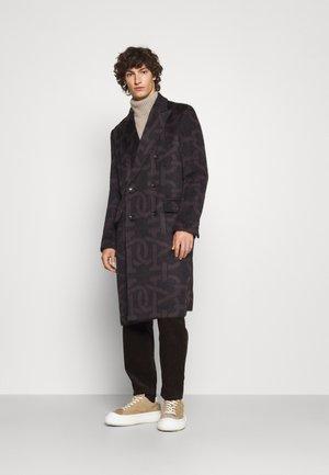 Klasický kabát - brown/black