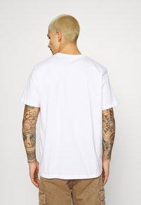 STAPLE PIGEON - POCKET TEE UNISEX - Print T-shirt - white - 2