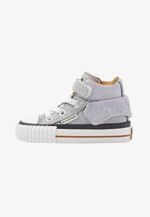 ROCO - Baby shoes - lt grey/cognac