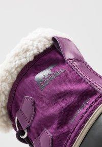 Sorel - YOOT PAC - Zimní obuv - wild iris/dark plum - 2