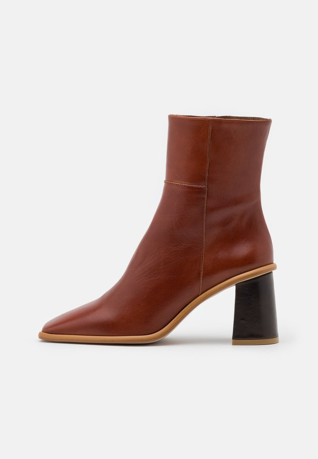 WEST - High heeled ankle boots - camel