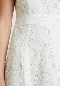 IVY & OAK - Robe de soirée - snow white - 6