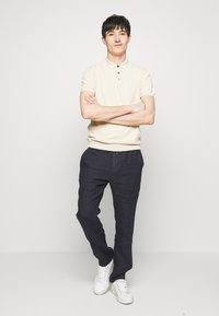 Sand Copenhagen - RETRO - Polo shirt - camel - 1