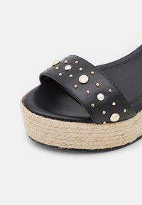 maje - Sandały na platformie - noir - 6