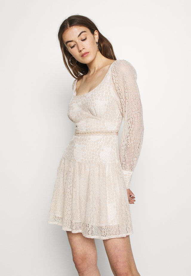 QUINCE - Day dress - cream