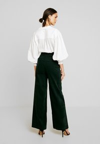 Pepe Jeans - MAYA - Trousers - forest green - 3