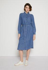 TOM TAILOR DENIM - BELTED DRESS - Day dress - blue denim - 0