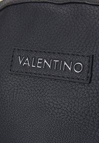 Valentino Bags - ALEX BACKPACK UNISEX - Sac à dos - nero - 4