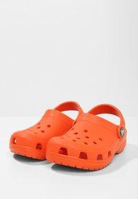 Crocs - CLASSIC - Pool slides - angerine - 2