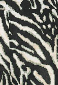 Kaffe - KAANIMA  - Leggings - Trousers - black/beige - 2