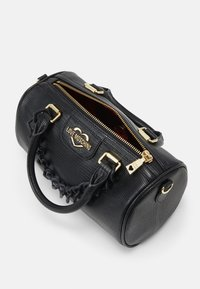 Love Moschino - TOP HANDLE CROC BAGUETTE CROSSBODY WITH TONAL CHAIN - Handbag - nero - 4