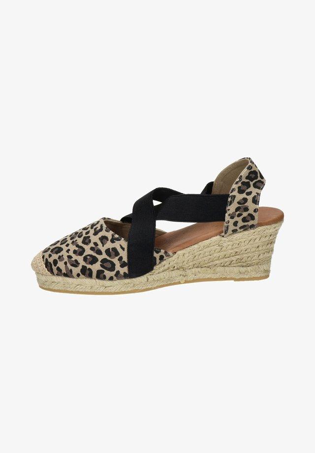 Sandalen met sleehak - bruin