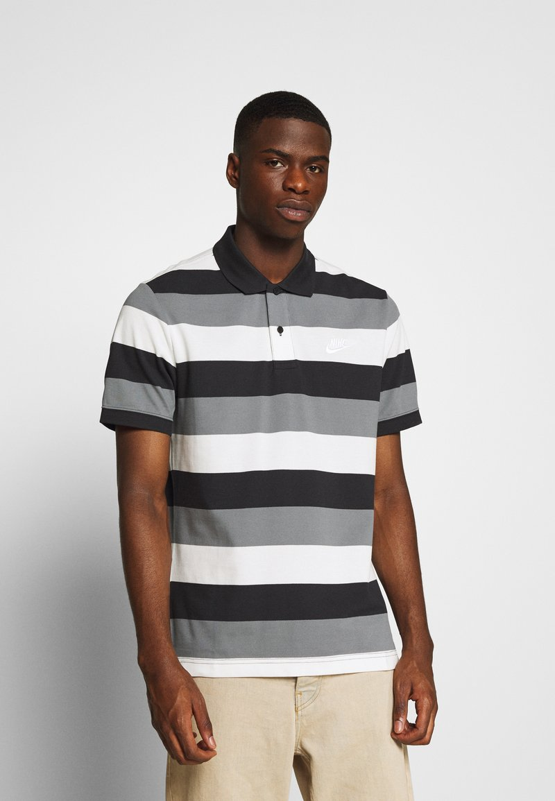 Nike Sportswear - MATCHUP STRIPE - Polo shirt - black/white