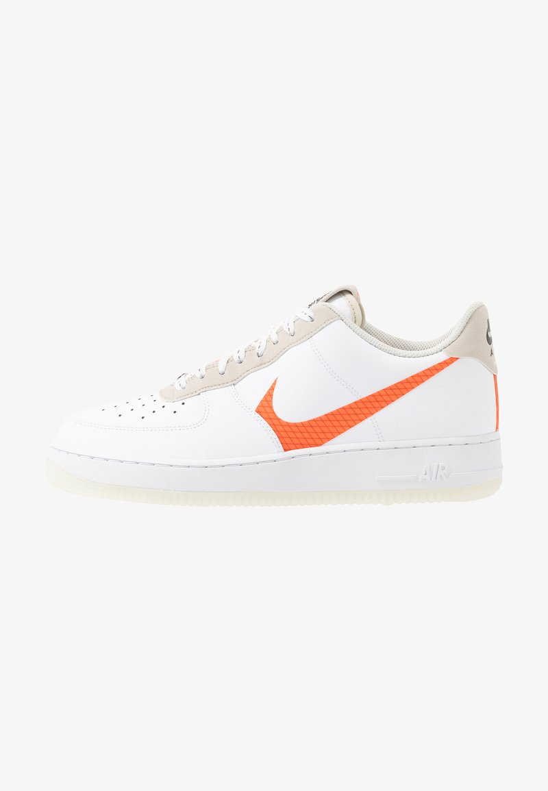 Nike Sportswear - AIR FORCE 1 '07 LV8 - Sneakers laag - white/total orange/summit white/black