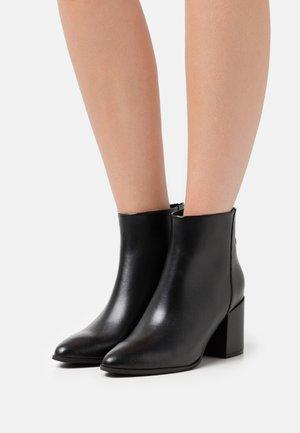 JILLIAN - Classic ankle boots - black
