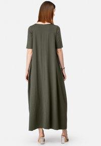 HELMIDGE - MIT DENIM-TASCHE - Maxi dress - khaki - 1