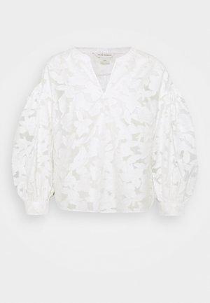 SCULPTURAL LONG SLEEVE SHIRT - Blouse - blanc de blanc