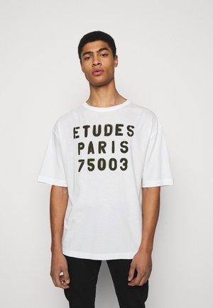 MUSEUM STENCIL UNISEX - T-shirt print - white