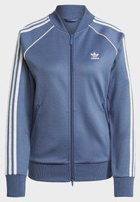 adidas Originals - PRIMEBLUE SST ORIGINALS JACKE - Felpa aperta - blue - 7