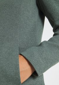 ONLY - ONLSEDONA - Halflange jas - balsam green - 4