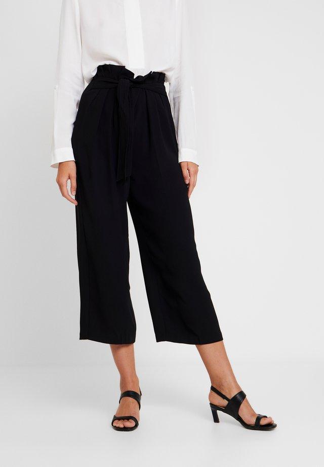 MATTE PAPRBAG WAIST LEG PANT - Pantalon classique - rich black