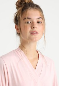 LASCANA - Dressing gown - light pink - 3