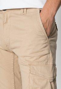 Jack & Jones - JJIPAUL JJFLAKE - Cargo trousers - white pepper - 4