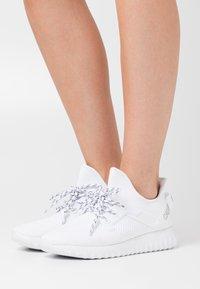 Calvin Klein Jeans - RONETTE - Trainers - white/silver - 0