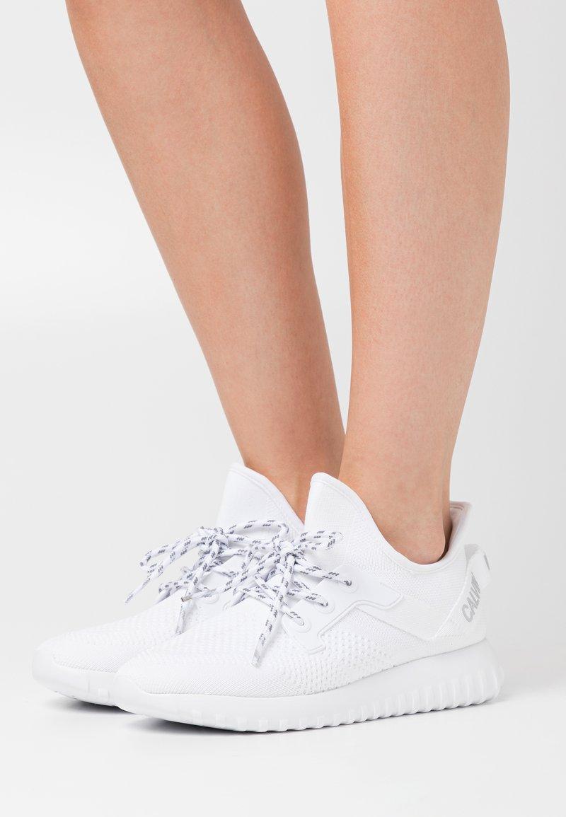 Calvin Klein Jeans - RONETTE - Trainers - white/silver