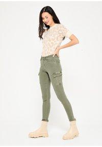 LolaLiza - Slim fit jeans - khaki - 4