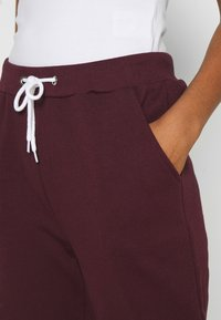 Even&Odd - REGULAR FIT JOGGER WITH CONTRAST CORD - Tracksuit bottoms - dark red - 4