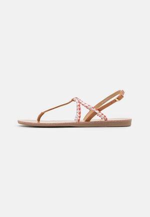 ONLMAYA BRAID  - Sandály s odděleným palcem - coral