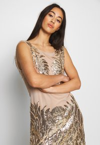 Nly by Nelly - DANCE DRESS - Vestito elegante - gold - 3