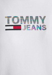 Tommy Jeans - METAL LOGO HOODIE - Felpa con cappuccio - white - 5
