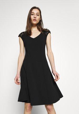 VIWILLA LACE CAPSLEEVE KNEE DRESS - Denní šaty - black