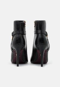 Tamaris Heart & Sole - BOOTS - Kotníková obuv na vysokém podpatku - black - 3