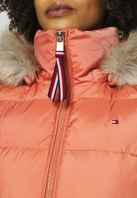 Tommy Hilfiger - BAFFLE - Doudoune - clay pink - 7