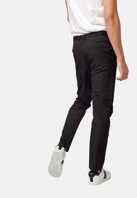 Koroshi - PANTALON LARGO - Pantalones chinos - black - 2