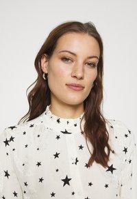 Fabienne Chapot - GARDEN CATO BLOUSE - Blouse - warm white/black - 4